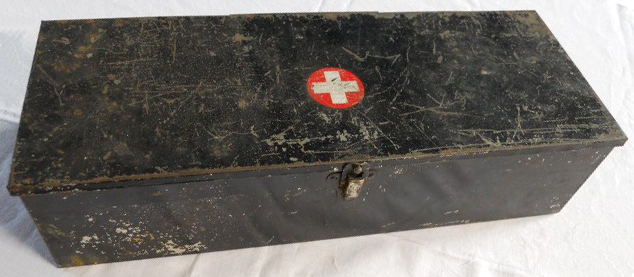 vintage-first-aid-box