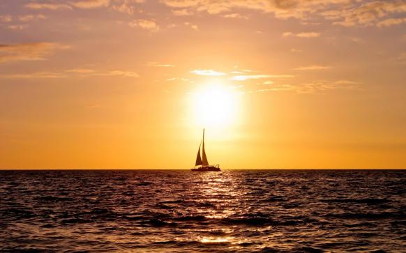 sea_sunset_photography_sailboat_sailing_in_the_sunset-9309.jpg